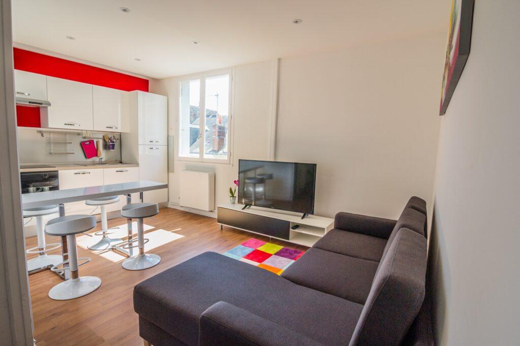 BrightWave Capital - Rental Project in Le Mans, France 1 Building 3 apartments 3 parking spots