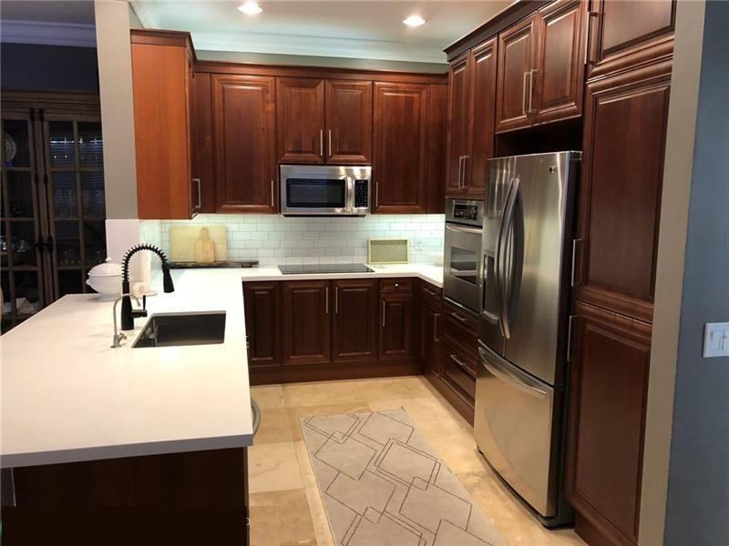 Kitchen before, 2/2